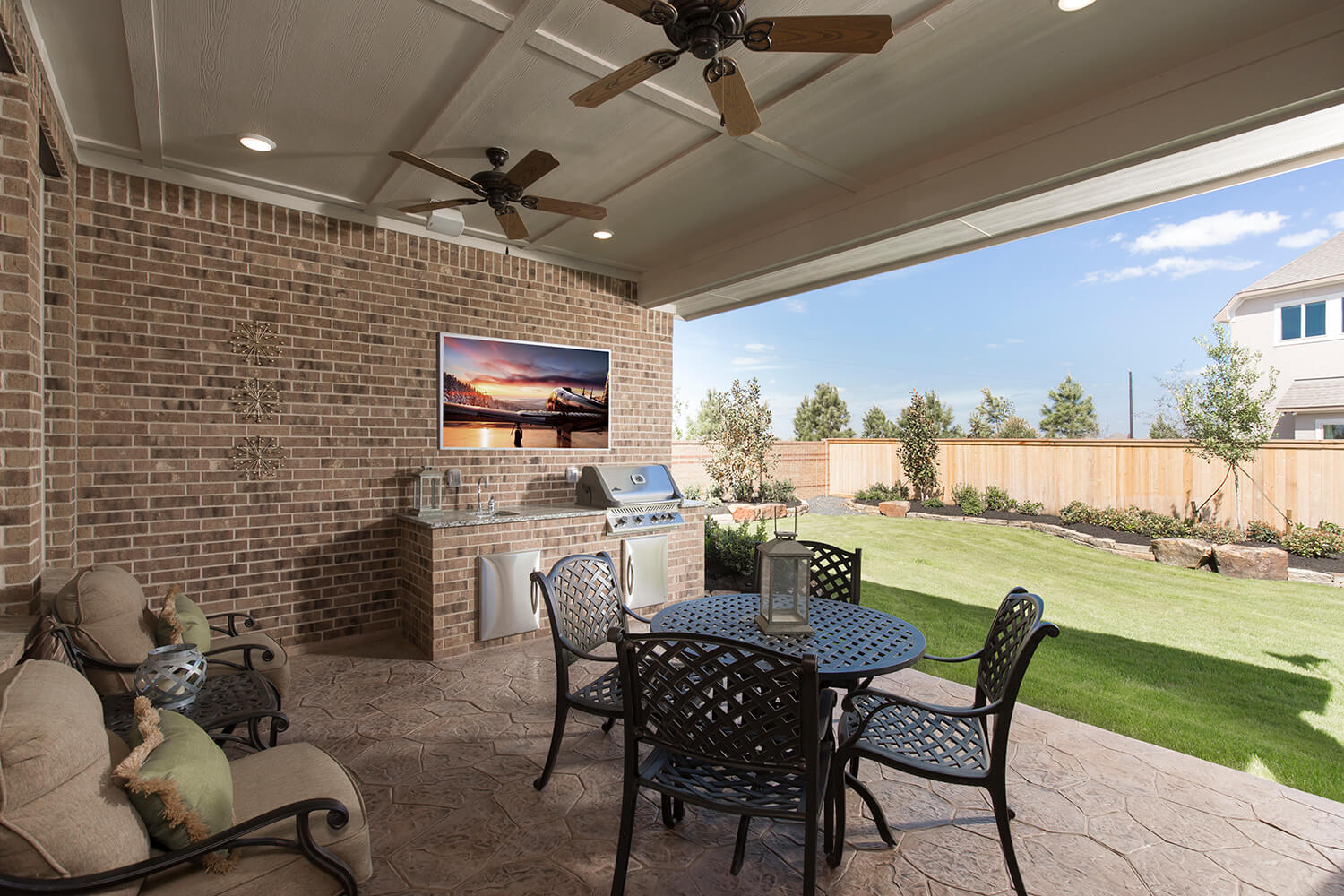 Covered Patio - The Whitney (5960 Plan)