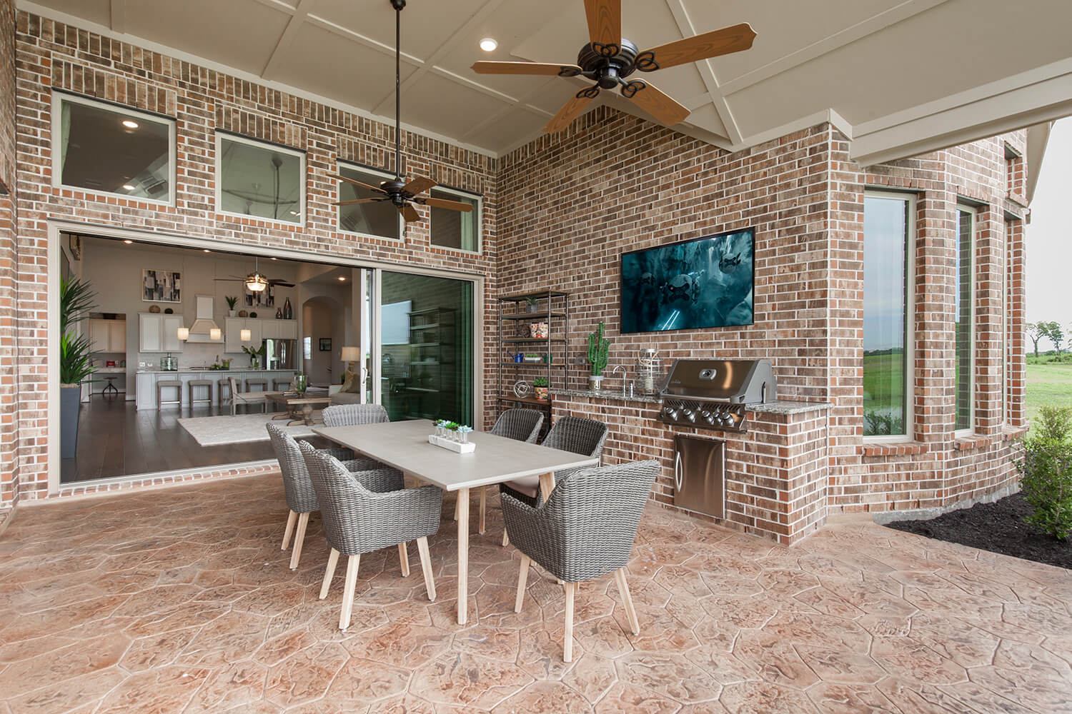 Covered Patio - The Tomball (6876 Plan)