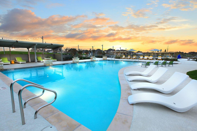 Pomona - Resort-Style Pool